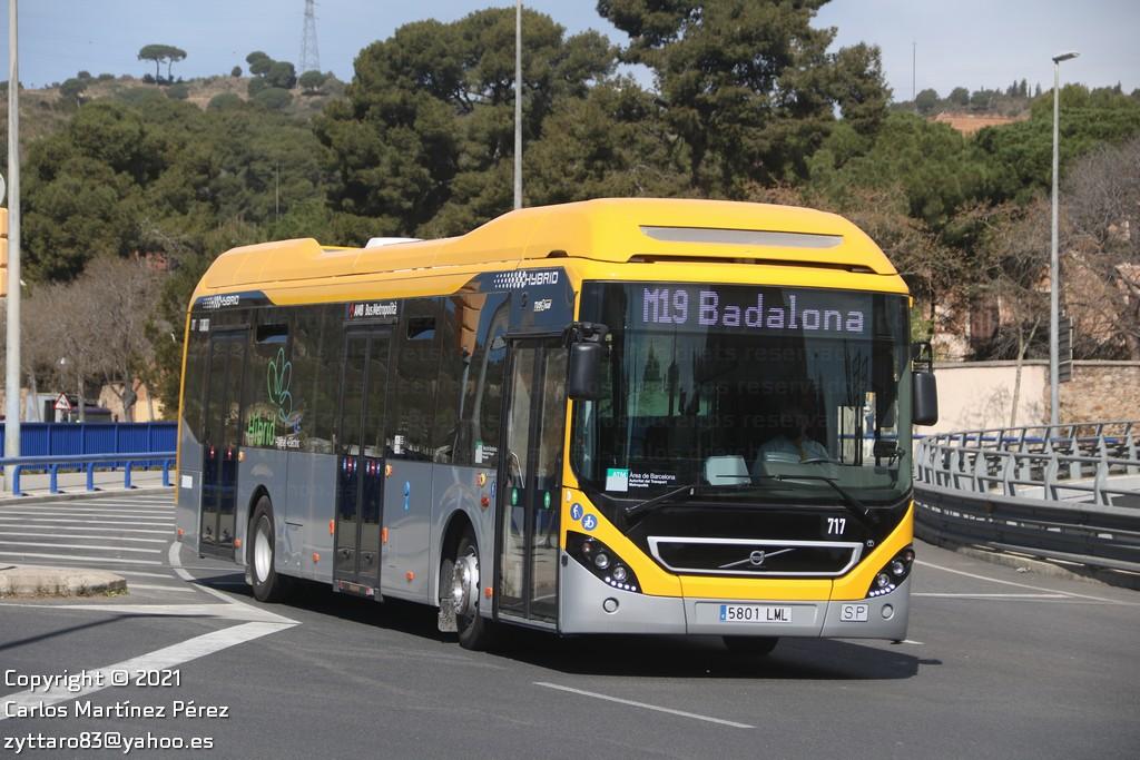Volvo 7900 Hyb de Tusgsal amb calca 717 / Carlos Martínez