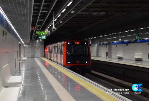 Nova estació Ernest Lluch, de la línia 5 del metro de Barcelona.