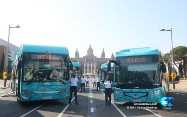 Presentació del nou servei de l'Aerobús a l'avinguda Reina Maria Cristina de Barcelona.