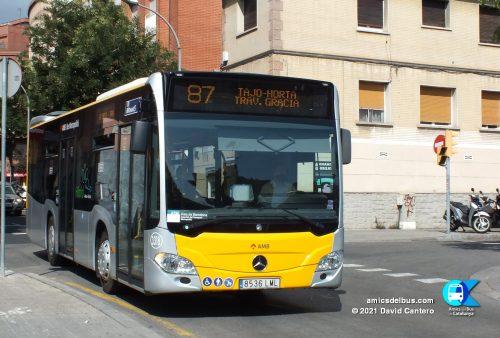 3318 de Monbus a la línia 87.